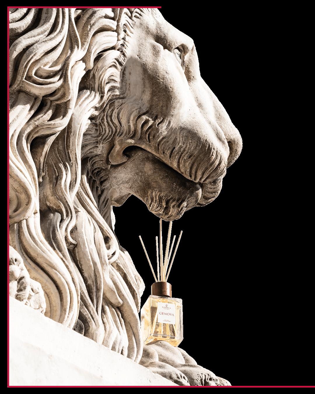 Genova Profumata L'idea assolutamente inedita di arredare vie e vicoli del più grande centro storico d'Europa con le note intriganti di un profumo esclusivo dedicato a Genova.  GENOVA è una fragranza che coglie l'essenza di una città dai profumi sospesi tra terra e mare, diventandone il marchio olfattivo unico e inconfondibile.  il leone